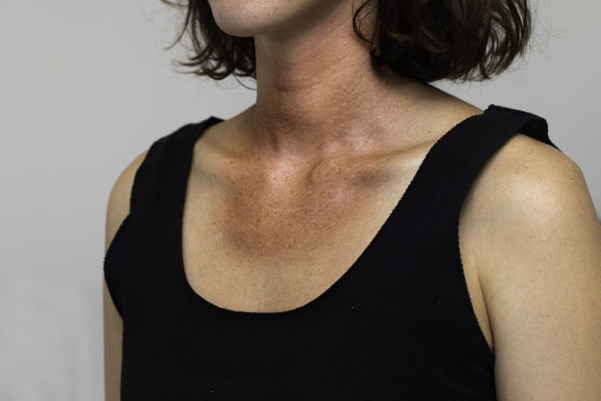 How To Remove Tan From Neck